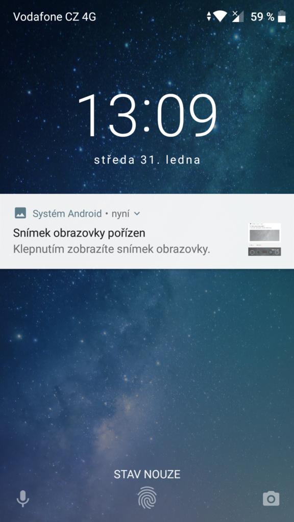 zavřená obrazovka s notifikací